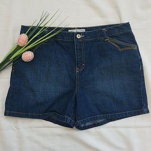 🌺Tommy Hilfiger Denim Shorts Size 14 Jean